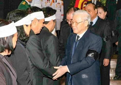 Lãnh đạo Đảng, Nhà nước viếng đồng chí Nguyễn Văn Trân