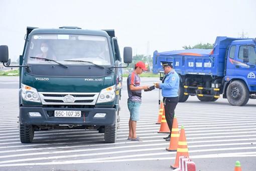 Tăng cường kiểm soát tải trọng phương tiện, điều kiện an toàn kỹ thuật và thiết bị giám sát hành trình
