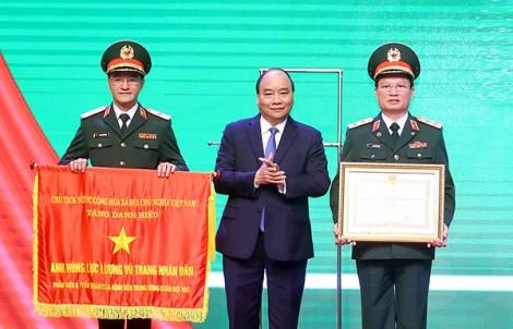 Thủ tướng Nguyễn Xuân Phúc dự Lễ  đón nhận Danh hiệu Anh hùng Lực lượng vũ trang của Bệnh viện Trung ương  Quân đội 108