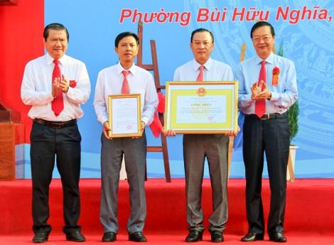 Phường Bùi Hữu Nghĩa đón nhận danh hiệu Phường Văn minh đô thị