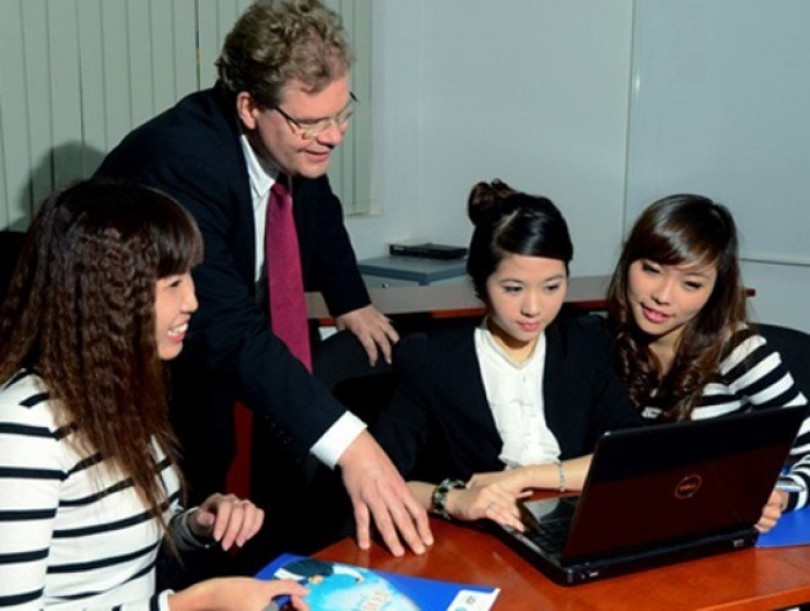 Vietnam ranks 18th in world for expat careers: HSBC survey