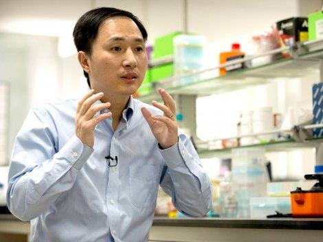 """Trung Quốc công bố báo cáo  điều tra vụ """"biến đổi gien""""  trẻ sơ sinh"""
