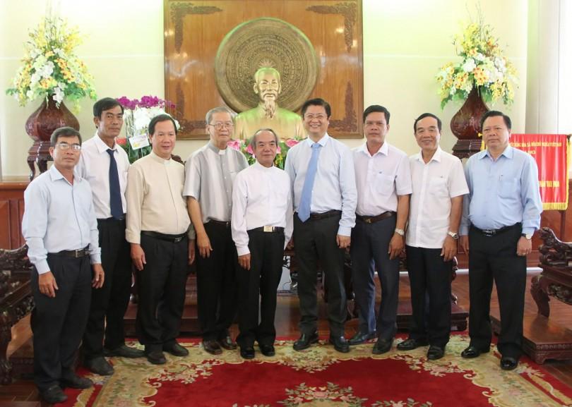 Đoàn Tòa Giám mục Long Xuyên, Giáo hạt Vĩnh Thạnh và Vĩnh An chúc Tết HĐND, UBND thành phố