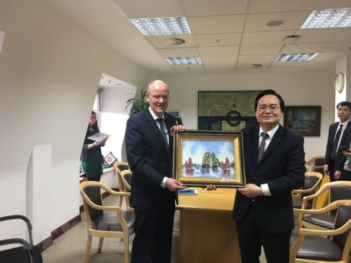 Vietnam, UK seek stronger educational cooperation