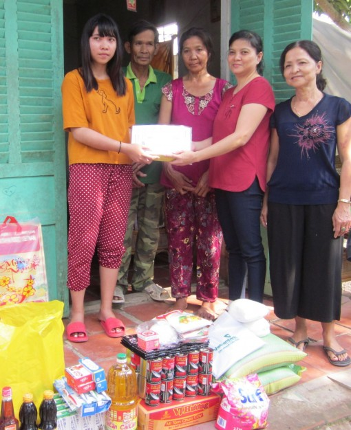 Nhóm từ thiện Bạn bè hỗ trợ 2 hoàn cảnh khó khăn