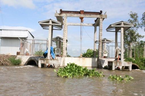 Giải pháp phòng tránh khô hạn, xâm nhập mặn mùa khô