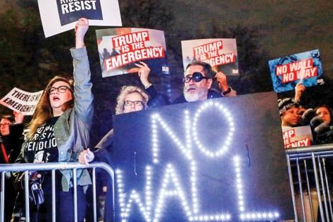 Ông Trump đương đầu thách thức pháp lý