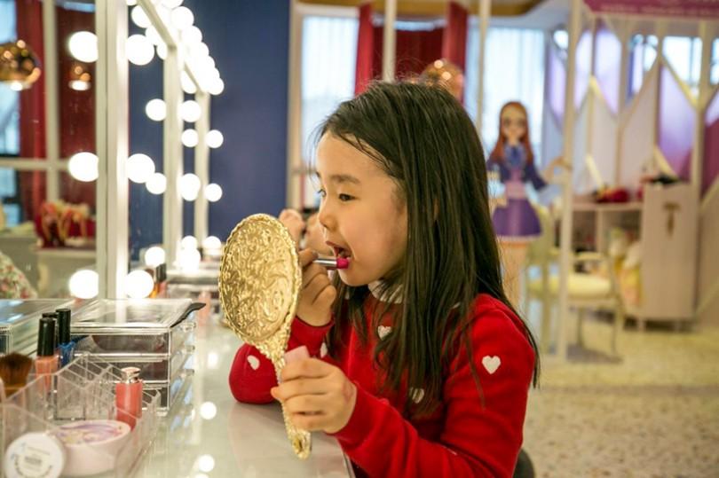 Ngành công nghiệp làm đẹp Hàn Quốc nhắm vào trẻ em
