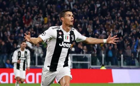 CR7 và bàn thắng thứ 19 ở Serie A