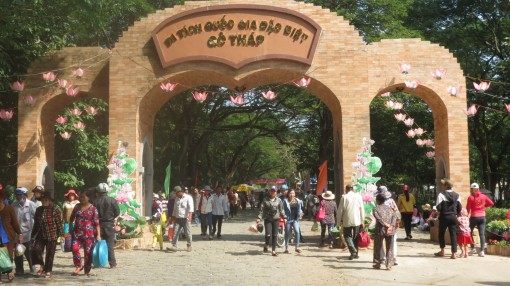 Cụm phía Đông ĐBSCL  liên kết phát triển du lịch  với TP Hồ Chí Minh năm 2019