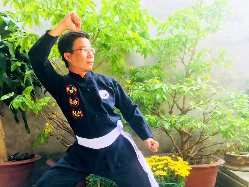 Thầy giáo  mê võ cổ truyền dân tộc