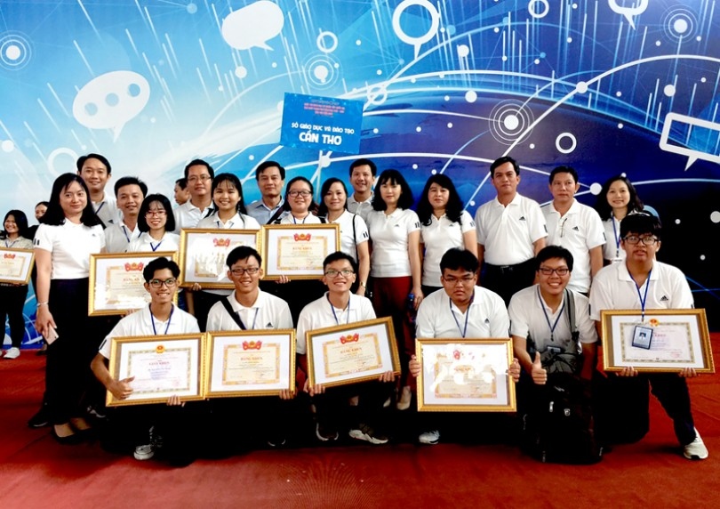 Đoàn học sinh Cần Thơ đạt 4 giải