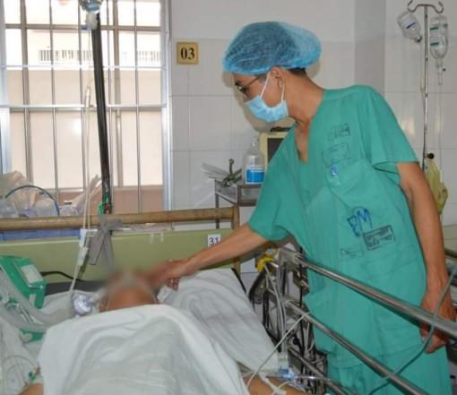 Cứu sống bệnh nhân vết thương thấu ngực nguy kịch
