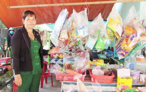 Giúp đồng bào dân tộc Khmer