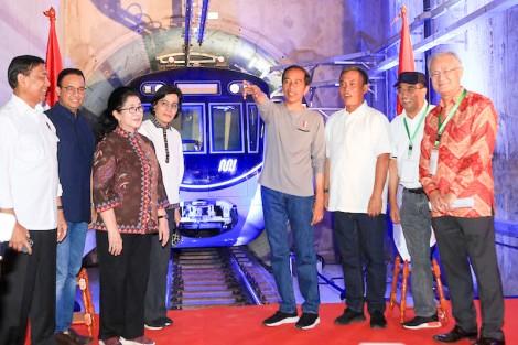 Indonesia hiện thực  giấc mơ tàu điện ngầm