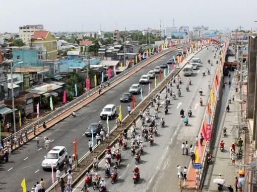 PM emphasises removing transport infrastructure bottleneck in Mekong Delta