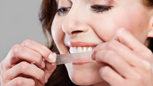 Mặt trái của sản phẩm làm trắng răng