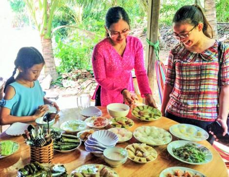 Bảo tồn văn hóa Cần Thơ - chuyện từ chiếc bánh quê