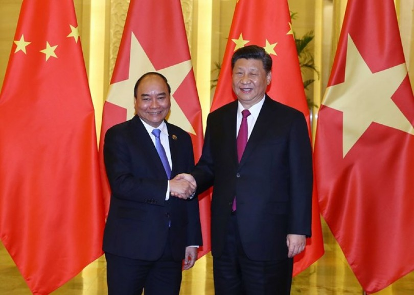 PM Phuc meets Chinese Party chief and President Xi Jinping in Beijing