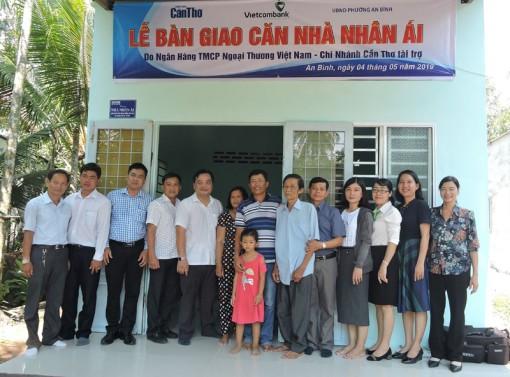 Báo Cần Thơ bàn giao căn nhà nhân ái cho gia đình anh Nguyễn Thanh Phong