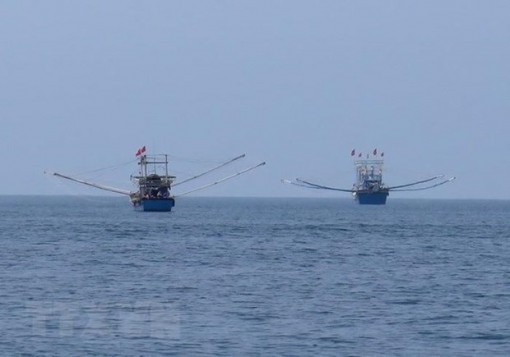 Vietnam objects to China's fishing ban in East Sea
