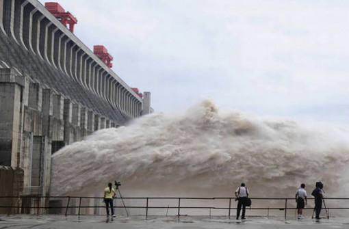 """Con người đang """"bóp nghẹt"""" 75% các dòng sông lớn nhất thế giới"""