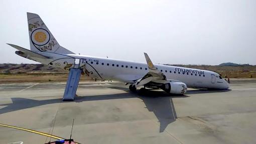 Máy bay Myanmar chở gần 90 người  hạ cánh bằng bụng