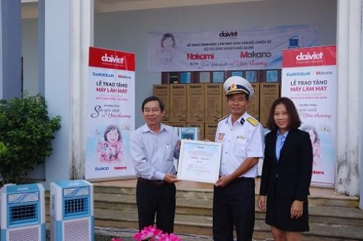 Công ty Cổ phần cơ điện lạnh Đại Việt tặng quà cho cán bộ, chiến sĩ Vùng 5 Hải quân