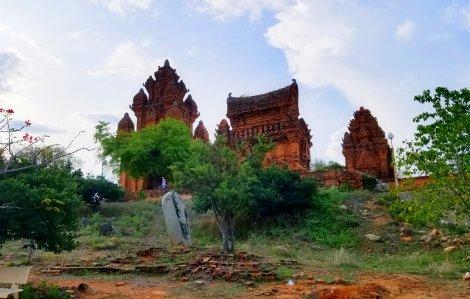 Dấu xưa nơi tháp cổ