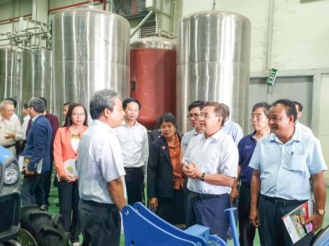 Đoàn đại biểu cấp cao Ủy ban Trung ương Mặt trận Lào  xây dựng đất nước kết thúc chuyến thăm Cần Thơ
