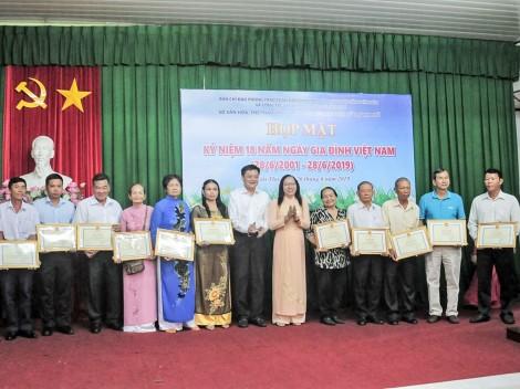 Họp mặt kỷ niệm 18 năm  Ngày Gia đình Việt Nam 28-6