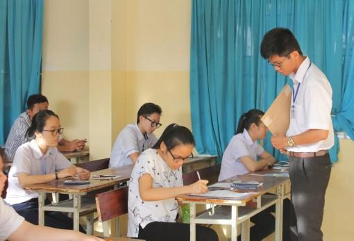 Hơn 4.000 thí sinh tham dự bài thi Khoa học tự nhiên