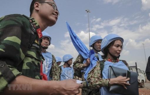 Về những thời cơ và thách thức đối với sự nghiệp xây dựng chủ nghĩa xã hội ở Việt Nam trong bối cảnh toàn cầu hóa và hội nhập quốc tế hiện nay