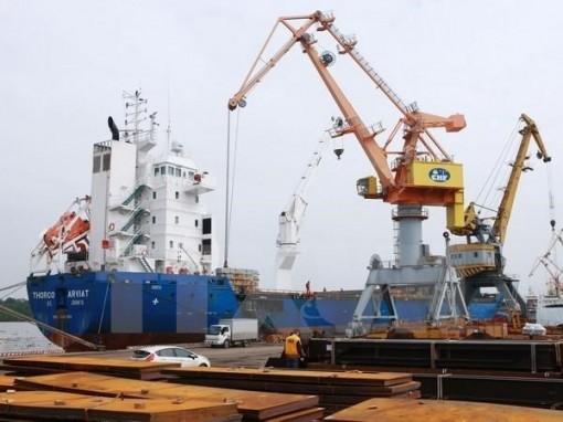 Japan's Sumitomo invests in Vietnam's port operator
