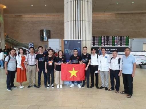 Vietnam wins three golds at 50th International Physics Olympiad