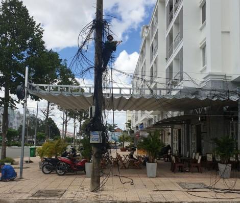 Kiến nghị dừng cắt cáp trong Khu dân cư Hưng Phú
