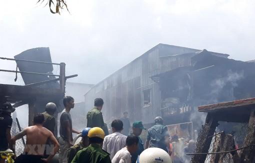 Hỏa hoạn thiêu rụi 5 căn nhà ở huyện biên giới An Phú, An Giang