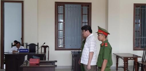 Cựu trung tá công an lừa chạy việc, lãnh án 13 năm tù