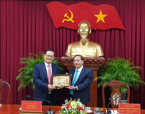 Lãnh đạo TP Cần Thơ tiếp đoàn cấp cao Bộ Nội vụ Vương quốc Campuchia