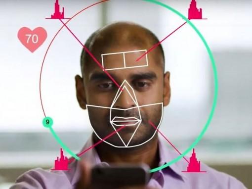 Hình ảnh selfie giúp bạn  đo huyết áp