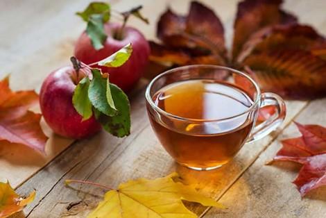 Sống lâu nhờ ăn táo, uống trà mỗi ngày