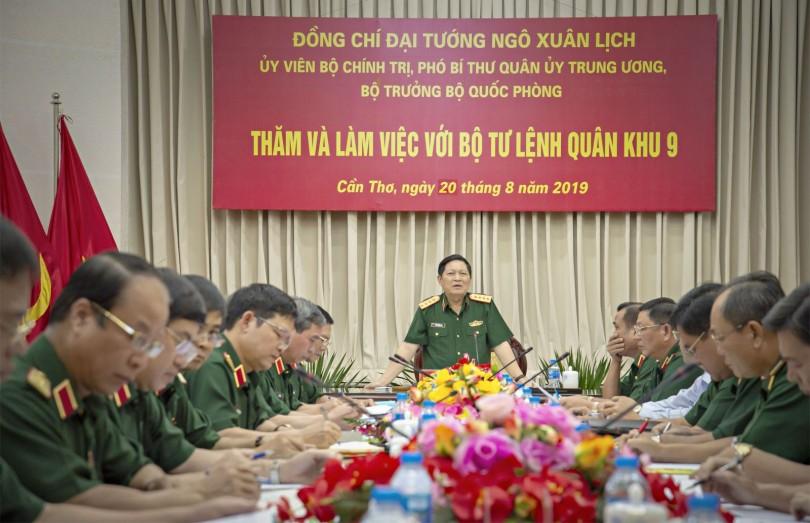 Đại tướng Ngô Xuân Lịch thăm và làm việc với Bộ Tư lệnh Quân khu 9