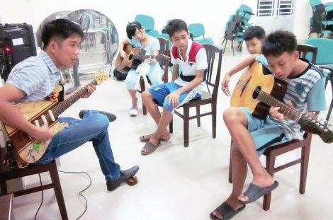 Hướng nghiệp, trang bị kỹ năng sống cho trẻ