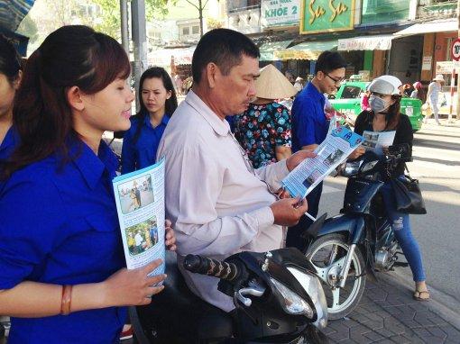 Tuổi trẻ xung kích vì xã hội giao thông an toàn