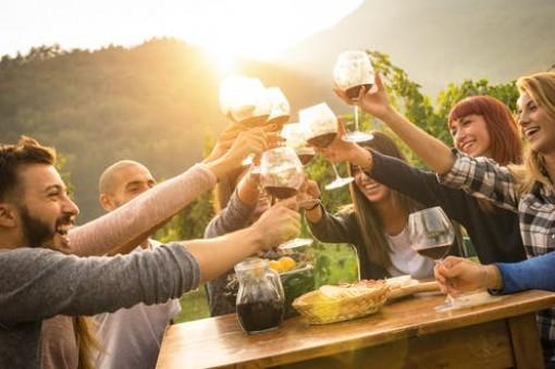 Uống vang đỏ tốt cho lợi khuẩn đường ruột