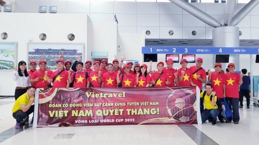 Du khách Vietravel sẵn sàng cháy hết mình cùng tuyển Việt Nam