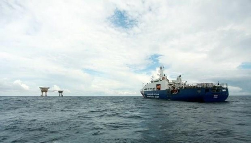Vietnam demands China to withdraw ships from its territorial waters
