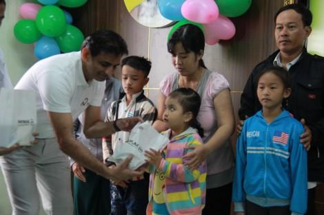 Tặng miễn phí 31 máy trợ thính cho trẻ em nghèo vùng ĐBSCL