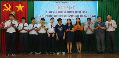 Họp mặt giáo viên và học sinh các đội tuyển học sinh giỏi TP Cần Thơ dự thi cấp quốc gia năm học 2019-2020