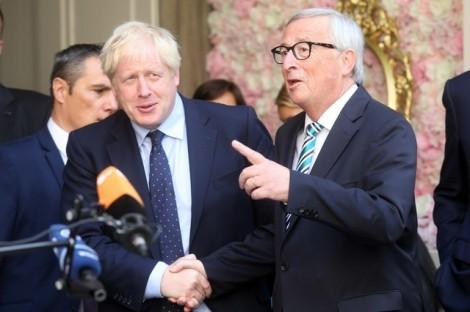 """EU đề cập khả năng hủy bỏ  điều khoản """"chốt chặn"""""""
